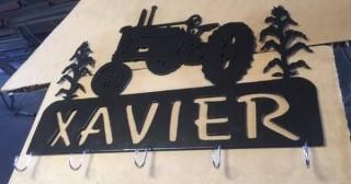 Xavier_metal_Tractor_hat_rack